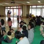 エプロンおばさんと遊ぼう広場(3/11)